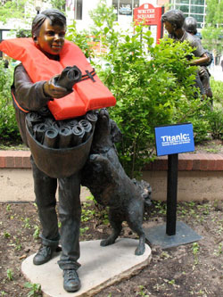 denver-titanic-life jacket-