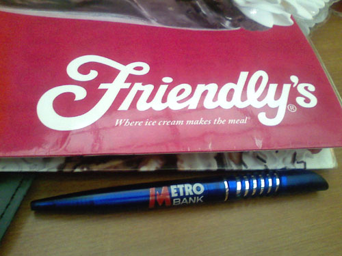 friendlys-metro-bank-custom pen