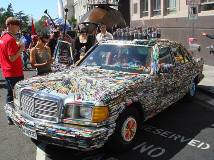 mercedes-pens-art car