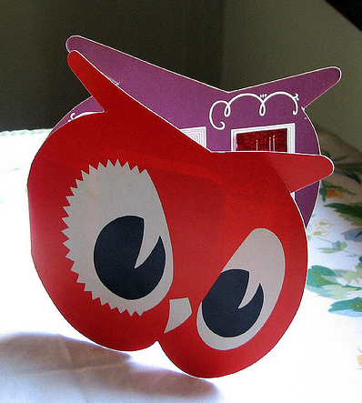 owl-vintage-sewing kit