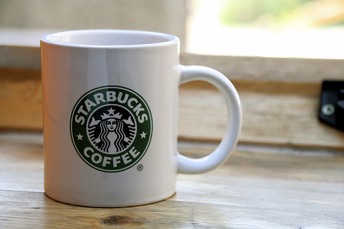starbucks-free-coffee-reusable-travel-mug-april 15