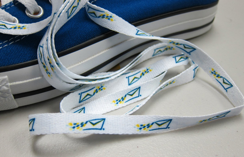 logo shoelaces